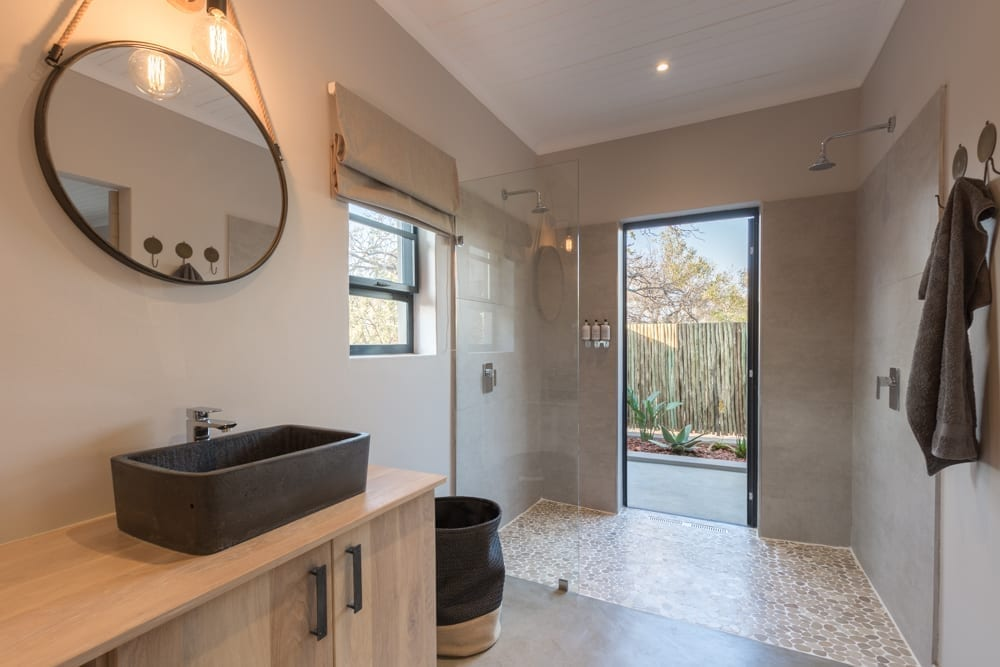 Ingwe Room- Bathroom – 3