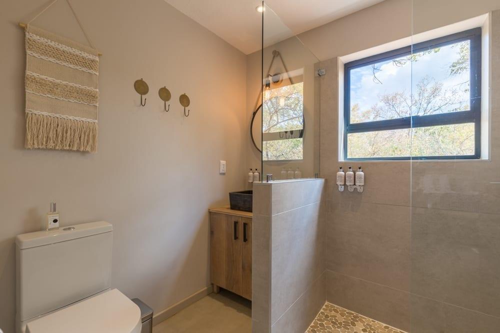 Mangwa Room – Bathroom-1