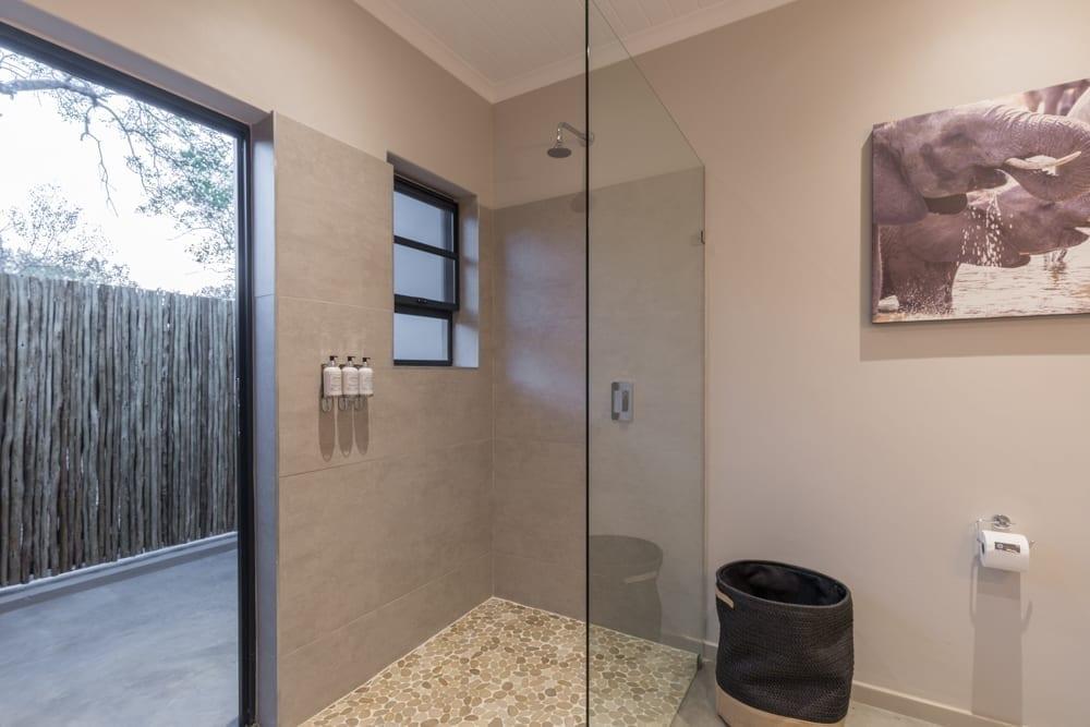 Ndlovu Room – Bathroom-2